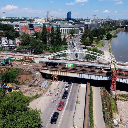 Zamknięcie ul. Podgórskiej! Zdjęcie z lotu ptaka na przesłem starego mostu kolejowego nad ul. Podgórską w Krakowie.